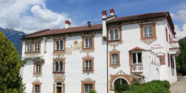Der hervorragend restaurierte Ansitz Pflanzenstein in Meran-Obermais