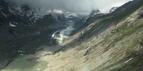 Blick vom Besucherzentrum Kaiser-Franz-Josefs-Höhe über die Reste der Pasterze (Juli 2021)