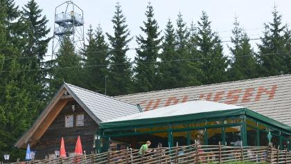 Wildwiesenhütte und Aussichtswarte