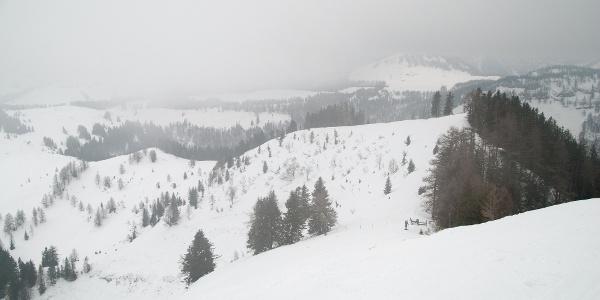 Blick vom Wieslerhorn den Aufstiegsweg hinab (immer am Grat entlang)