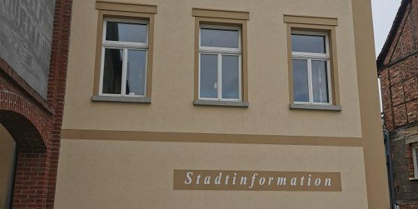 Stadtinformation am Markt von Münchenbernsdorf