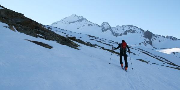 300 Höhenmeter nach der Langtalereckhütte, haben wir den Mittleren Seelenkogel bereits im Blickfeld.