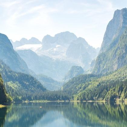 Wandern am Gosausee in Österreich