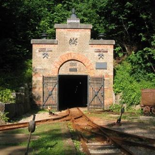 Eingang zum Besucherbergwerk Tiefer Stollen.