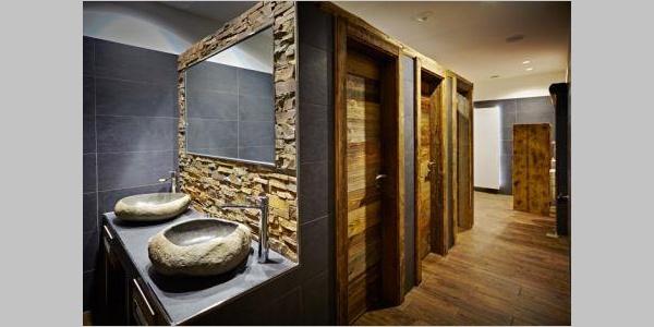 Gast-WC im Hotel Zur Post