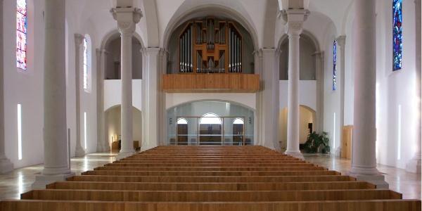 Neue Pfarrkirche Heiliger Ulrich Innenraum
