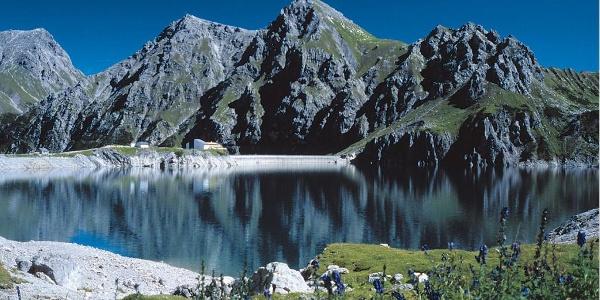 Lünersee, Blick auf Douglashütte