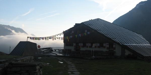 Die Sulzenauhütte 2190 m
