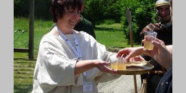 Limes-Cicerone am Römerbad - römisches Picknick