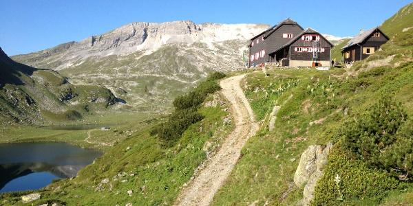 Ignaz-Mattis-Hütte, Giglachsee Lake and Lungauer Kalkspitze