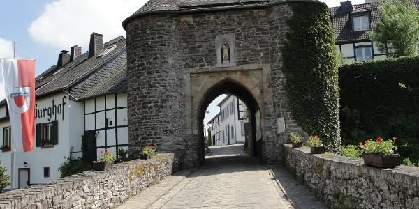 Matthiastor der Burg Reifferscheid