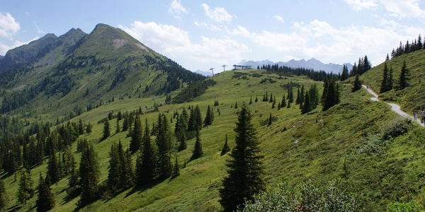 Blick towards Krahbergsattel and Krahbergzinken summit