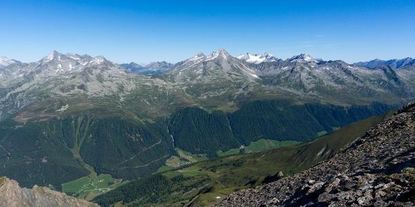 die Gipfel der östlichen Zillertaler Alpen