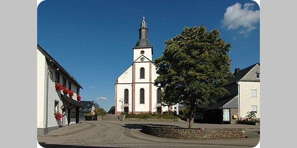 Kirche in Mittelstrimmig