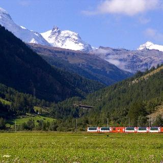 Walking with views of the Matterhorn Gotthard Bahn railway line