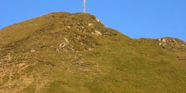Das Gipfelkreuz des Höllenkragens