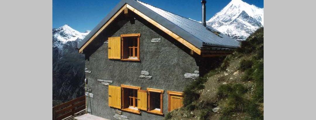 Cabane de Kin (2'584 m)