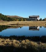 Winterleitenhütte mit See