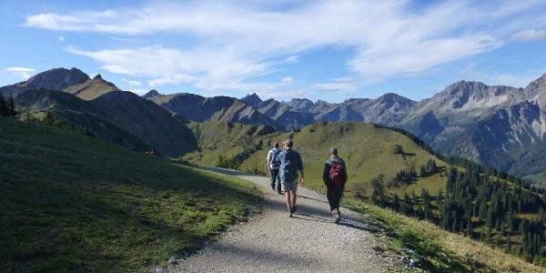 Vom Neunerköpfle auf die Sulzspitze - Bergbahntour im Tannheimer Tal