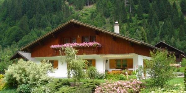 Haus Munz im Sommer