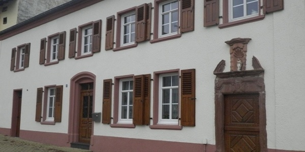 Old farmhouse in the centre of Wochern