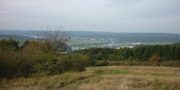 View from the top of Mehring Hill looking towards the west: Schweich is on the right of the Moselle, Quint and Ehrang on the left.