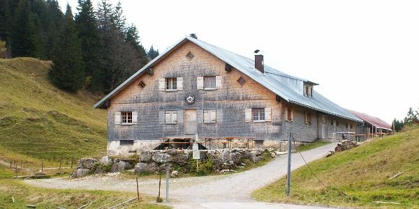 Die Alpe Scheidwang im Gunzesrieder Tal.