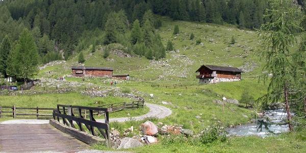 Brücke über die Schwarzach und Patscher Alm