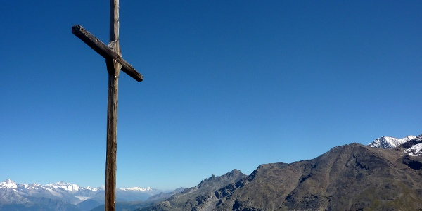 Summit cross on the Gross Kastel with breathtaking panoramic view
